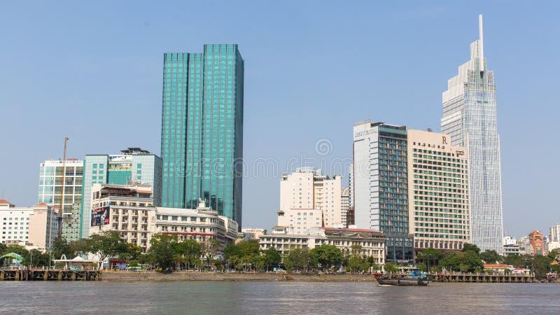 城市的看法从小船的 免版税库存图片