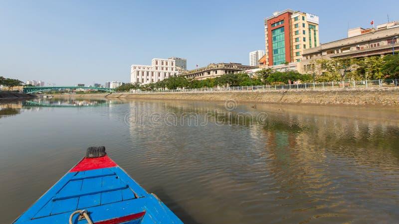 城市的看法从小船的 图库摄影