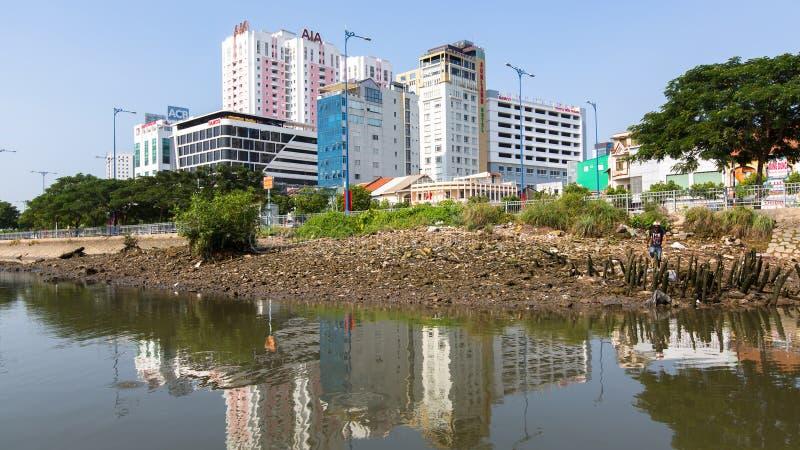 城市的看法从河的 免版税库存照片