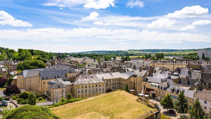 城市看法从Chateau de Sedan垒的  库存图片
