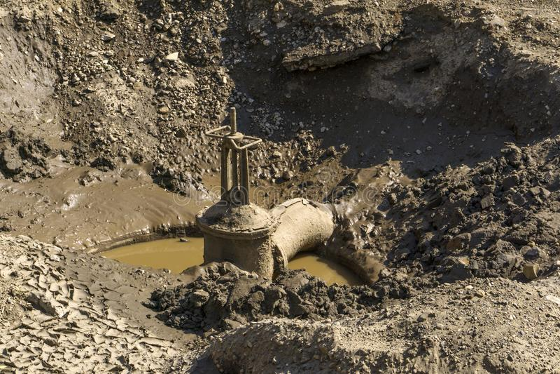 城市给水供应网络修理  免版税库存照片