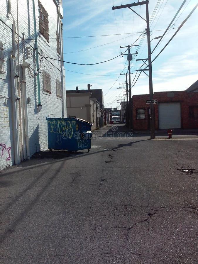 城市胡同和小巷视图 免版税库存图片