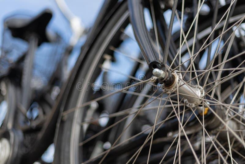 城市自行车轮幅细节关闭 图库摄影