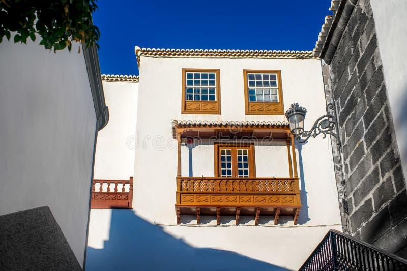 城市街道视图在圣克鲁斯德拉帕尔马 免版税库存照片