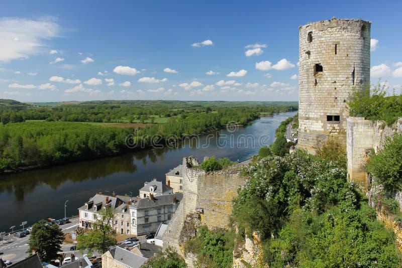 城市视图和堡垒塔 希农 法国 免版税库存照片