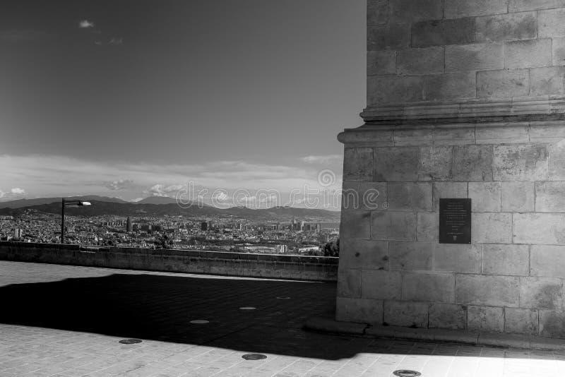 城市视图在黑白的巴塞罗那 库存照片