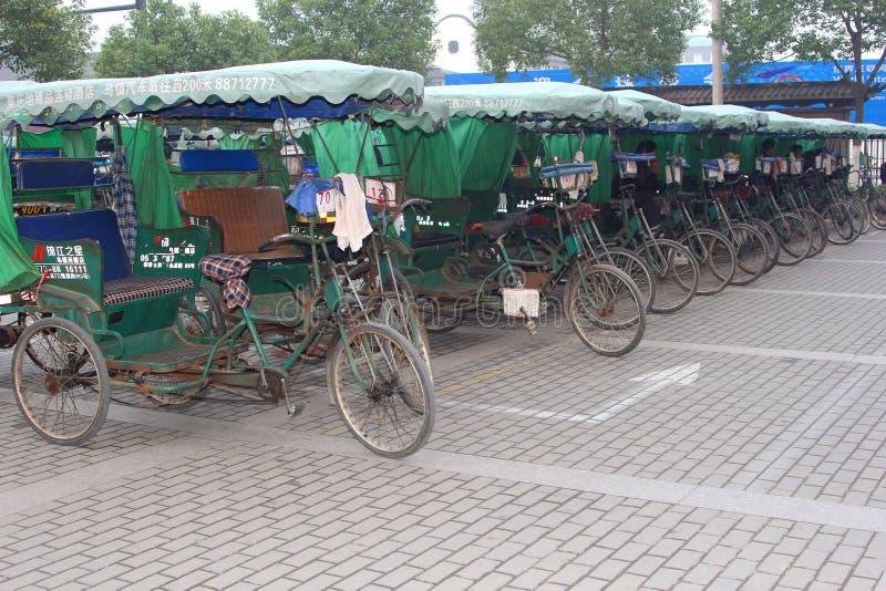 城市运输的人力车在Wuzhen,中国水镇  图库摄影