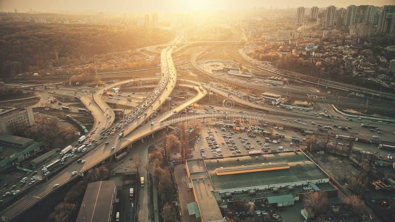 城市道路系统视域堵车鸟瞰图 免版税库存图片