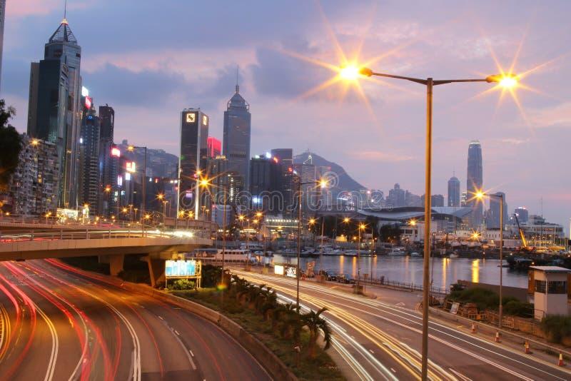 Download 城市高速公路铜锣湾, hk海岛 编辑类图片. 图片 包括有 聚会所, 黄昏, 晚上, 苍白, 小珠靠岸的 - 101471095