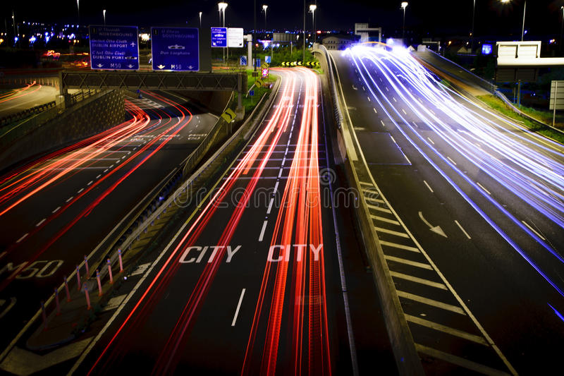 城市高速公路,长的曝光 免版税库存照片