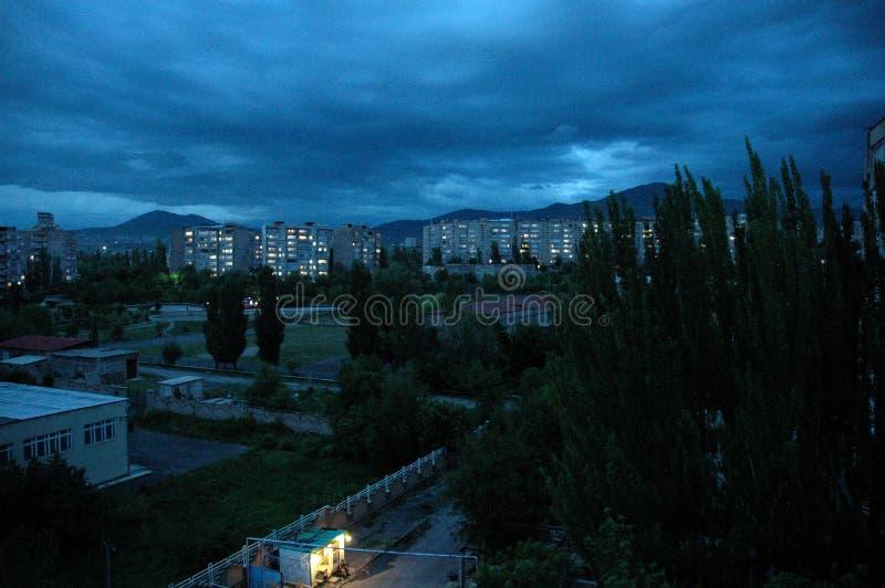 城市Abovyan夜 免版税库存照片