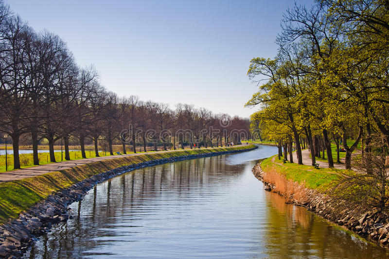 城市djurgarden公园季节春天 库存图片