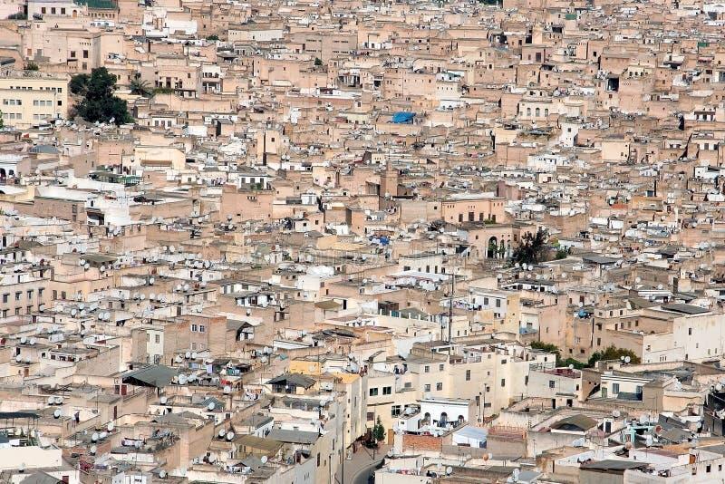 Download 城市fes 库存图片. 图片 包括有 街道, medina, 建筑, 清真寺, 屋顶, 回教, 观点, 可耕的 - 22350233