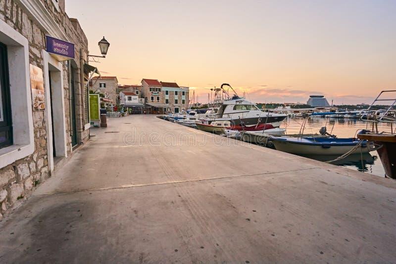 城市Vodice在克罗地亚 免版税库存图片