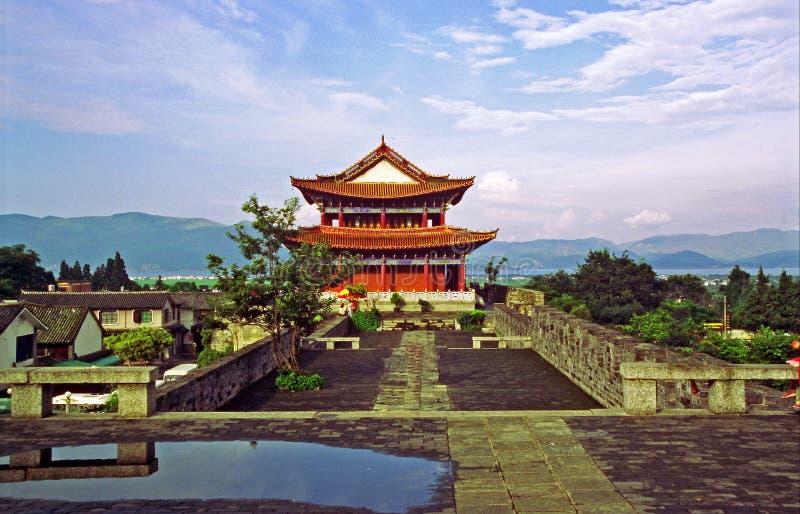 城楼和城市墙壁在大理,中国 免版税库存图片