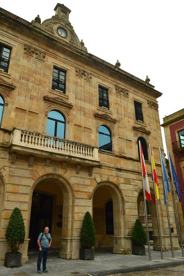城镇厅的主要门面在Gijon 建筑学,旅行,假日,城市 免版税库存图片