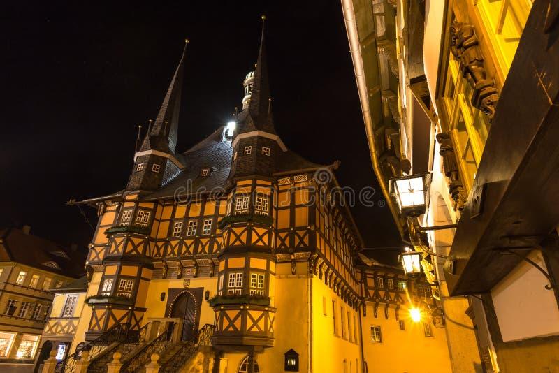 城镇厅wernigerode德国在晚上 免版税库存图片