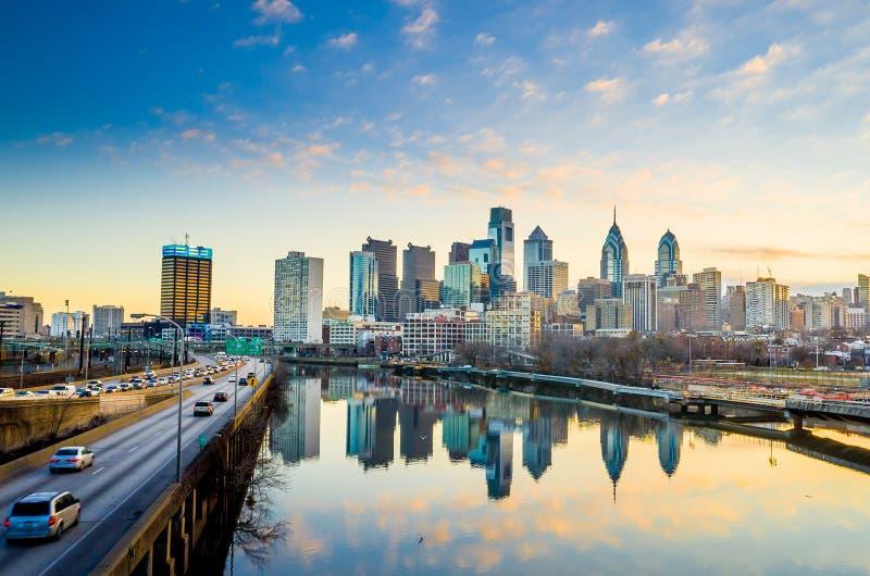 费城,宾夕法尼亚街市地平线。 免版税库存照片