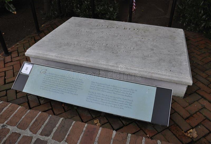 费城, 8月4日:Betsy罗斯坟墓在议院的庭院里从费城的在宾夕法尼亚 免版税库存图片