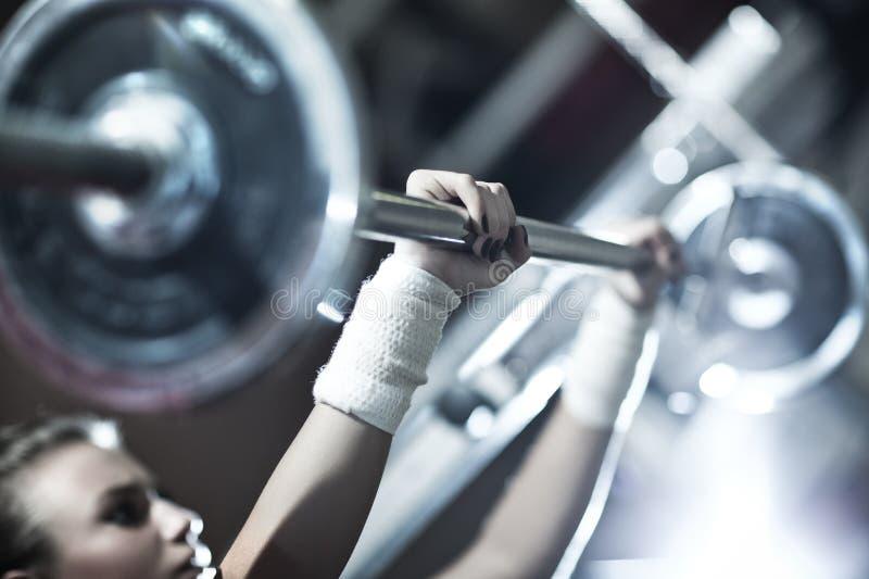 培训重量妇女年轻人 库存图片