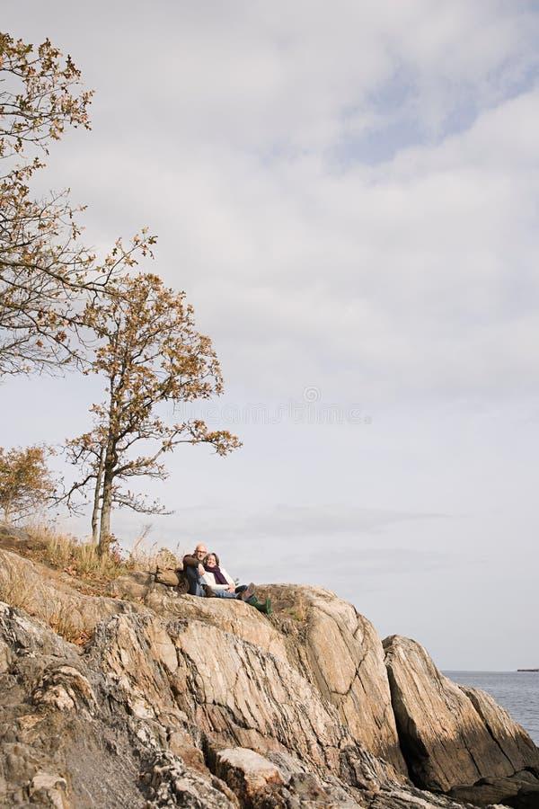 Download 基于岩石的成熟夫妇 库存照片. 图片 包括有 重新创建, 本质, 欢欣, 成人, 节假日, 摄影, 种族 - 62534374