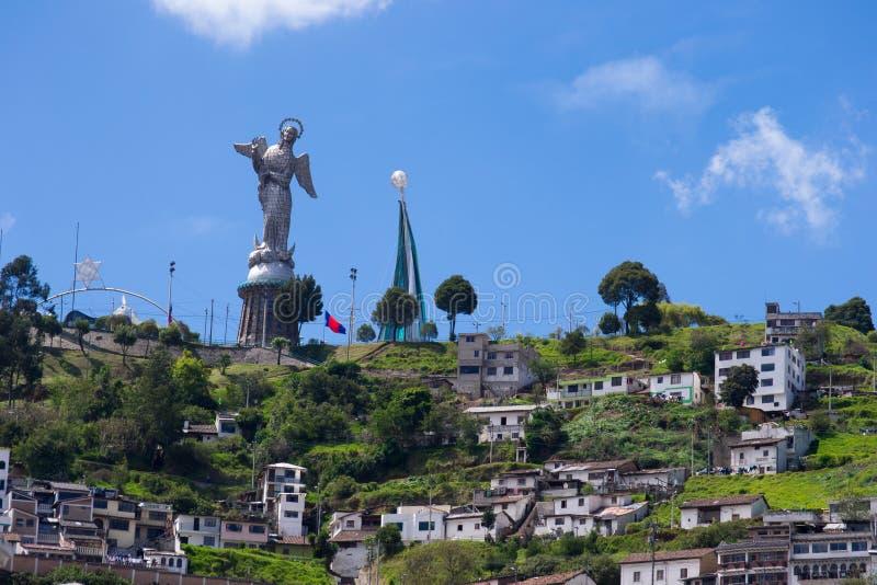 基多老镇历史的中心视图,厄瓜多尔。 免版税库存照片