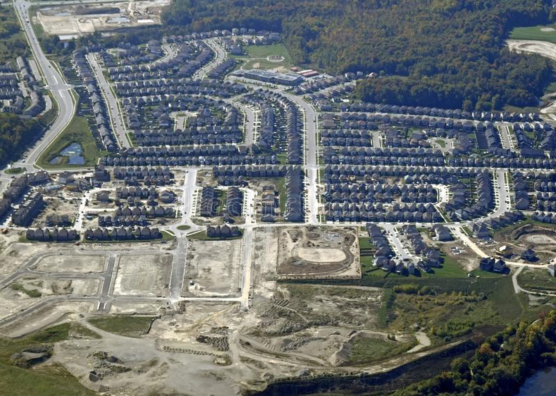 加拿大滑铁卢大学排名_加拿大滑铁卢大学吧_加拿大滑铁卢市生活