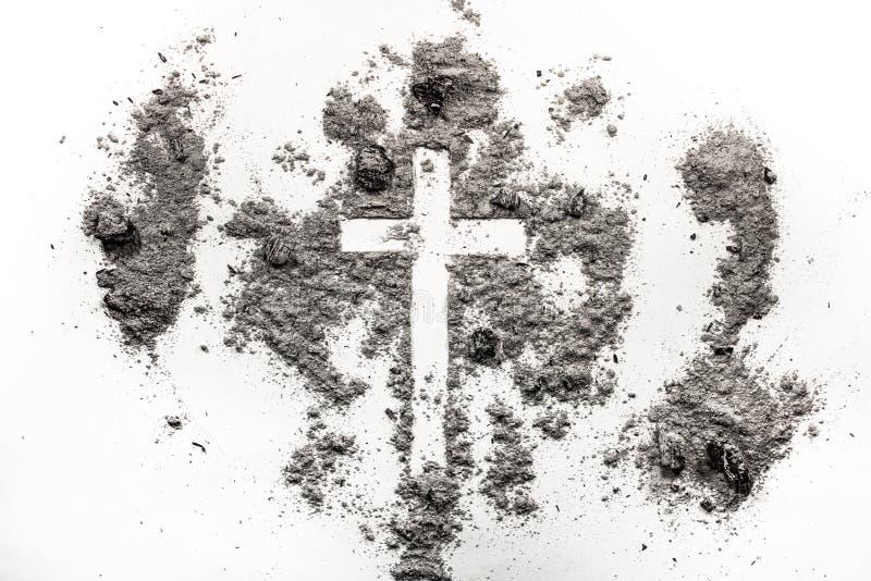 基督徒十字架,在灰,尘土复活节前的第七个星期三骗局的耶稣受难象标志 库存照片