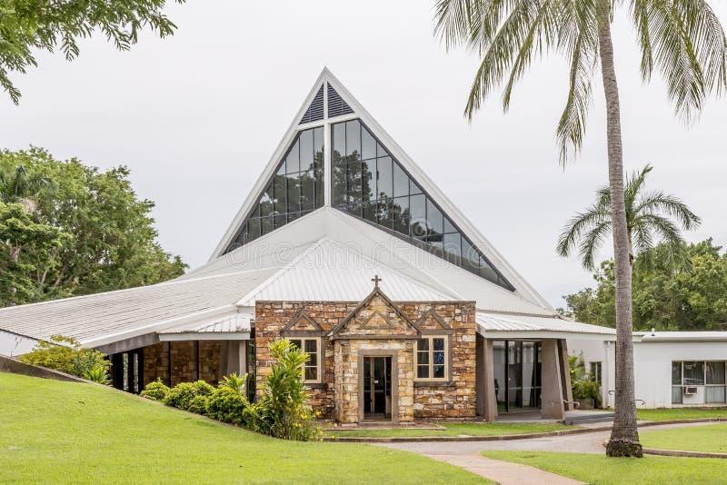 基督教会座堂现代线在达尔文,澳大利亚,在一好日子 库存图片