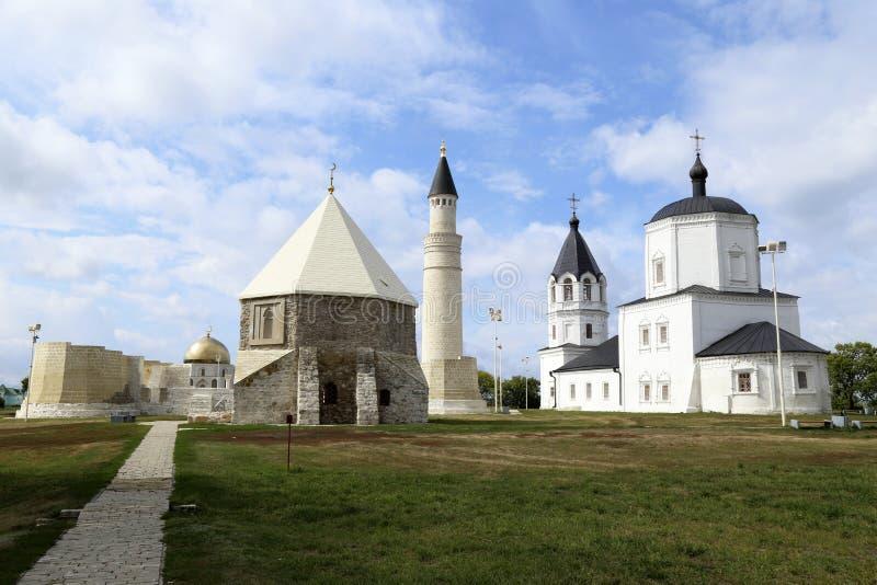 基督教和回教在Bolgar古城,俄罗斯 免版税图库摄影