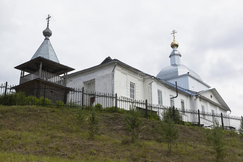 基督的复活的教会在Syamzha,沃洛格达州地区村庄  图库摄影