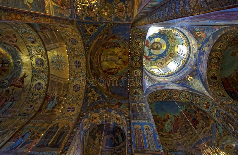 基督的复活的大教堂的内部在圣彼得堡,俄罗斯 血液教会救主 图库摄影