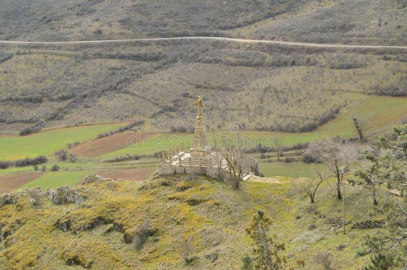 基督的美丽的景色从上面在梅迪纳塞利村庄  建筑学,历史,旅行 免版税图库摄影