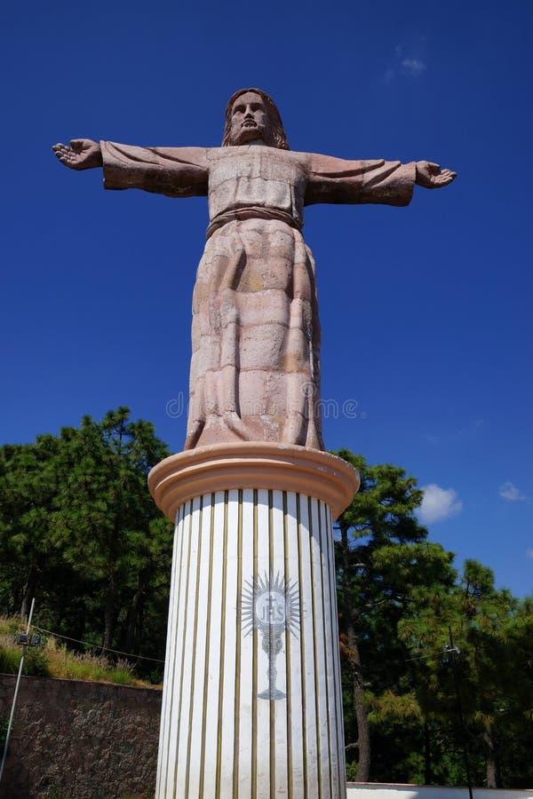 基督雕象在Taxco de阿拉尔孔,墨西哥 免版税库存图片