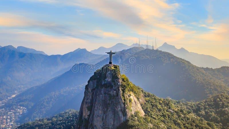基督鸟瞰图救世主和里约热内卢城市 免版税库存图片