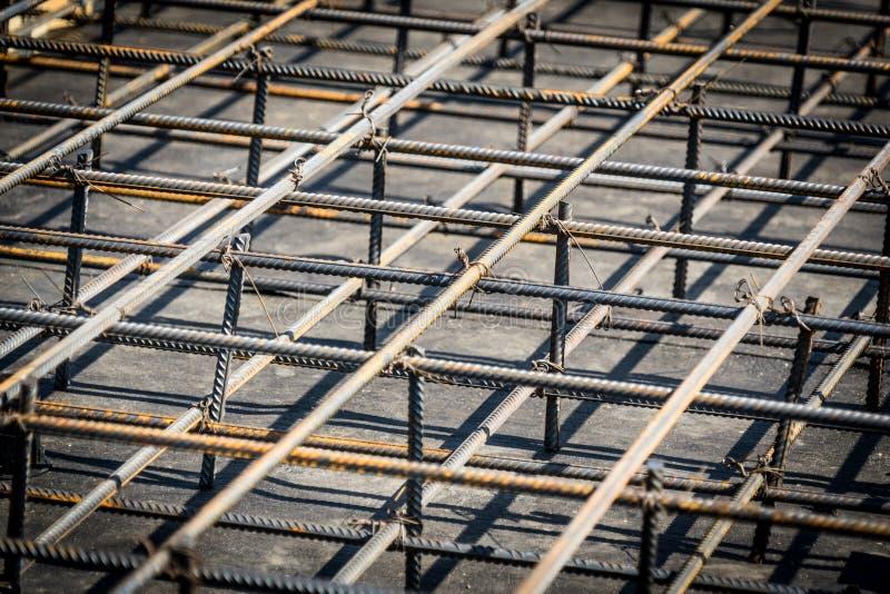 基础和钢筋混凝土结构的增强 特写镜头照片 图库摄影
