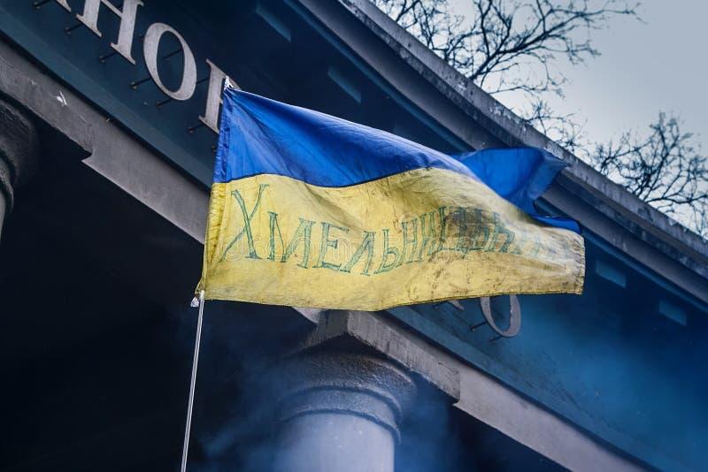 基辅乌克兰 2014年2月23日 城市的中央街道在猛冲的在EuroMaidan期间的护拦以后 库存照片