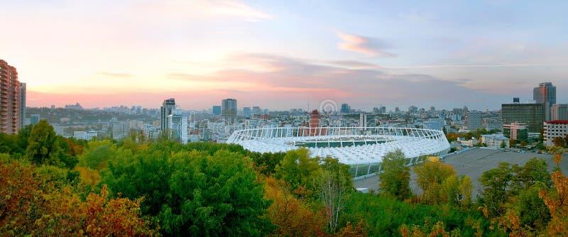 基辅的中心的都市风景日落的 免版税库存图片