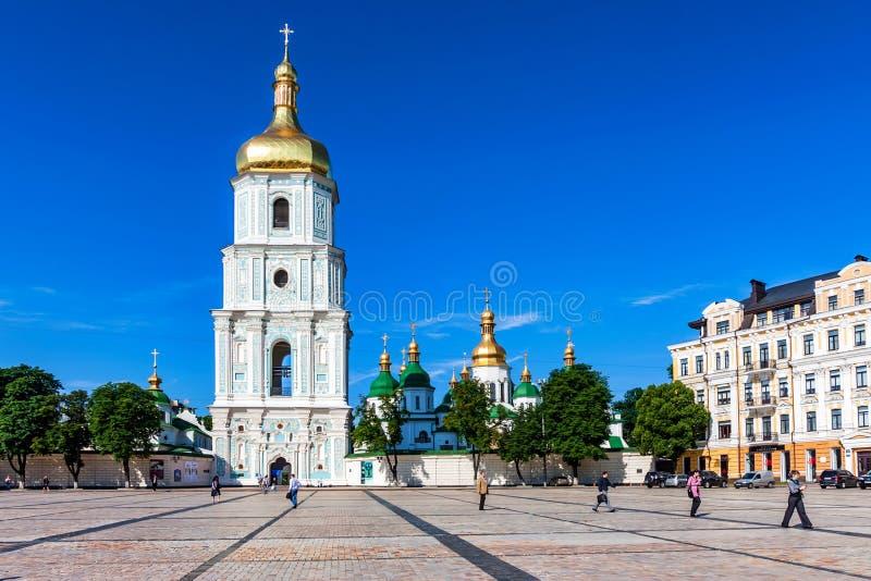 基辅, UNKRAINE - 2012年6月8日:圣徒索菲娅大教堂看法在Kyiv 免版税图库摄影