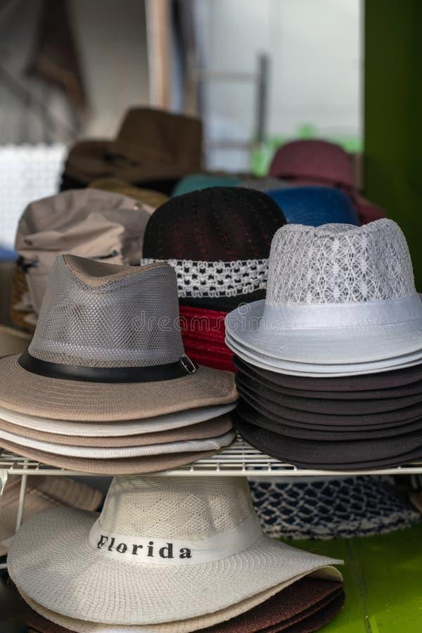 堆人的帽子待售 库存照片