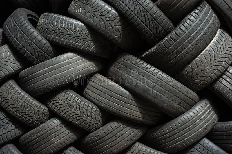 堆半新车轮胎 图库摄影