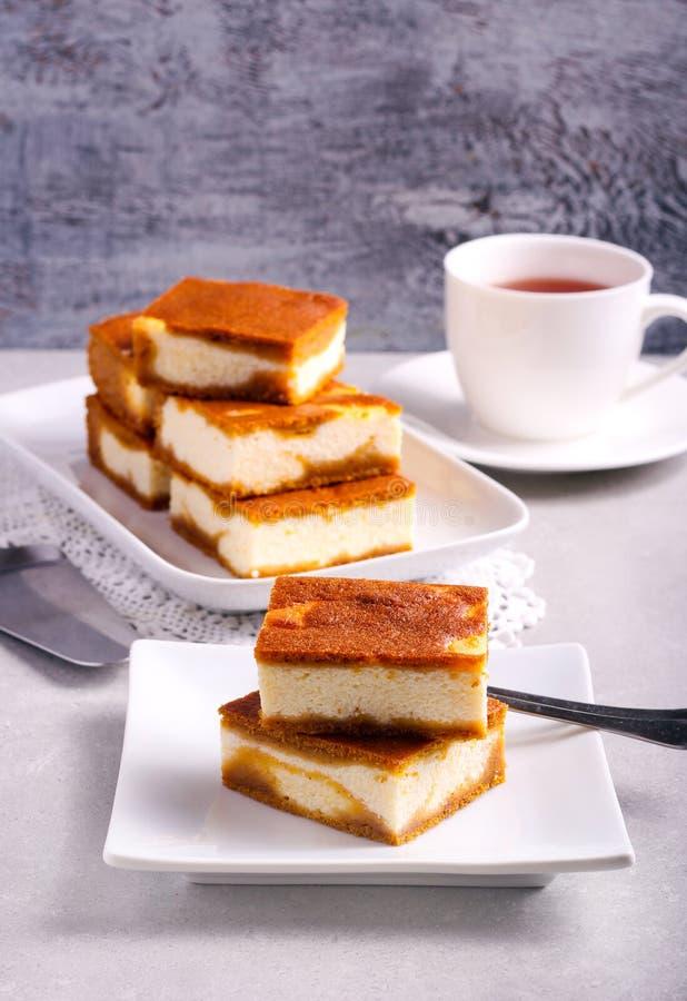 堆南瓜乳酪蛋糕酒吧 库存图片