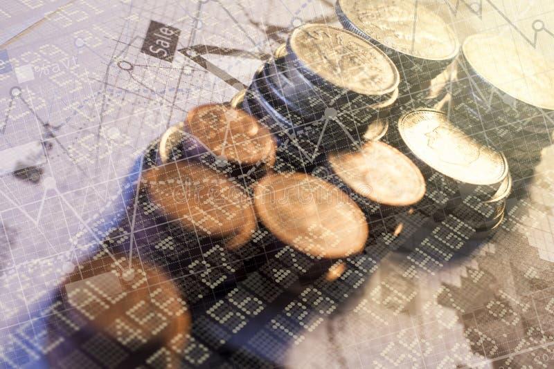 堆变化的高度硬币 库存图片