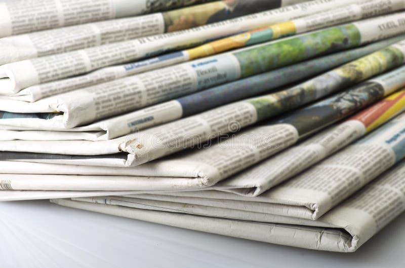 堆各种各样的报纸 图库摄影