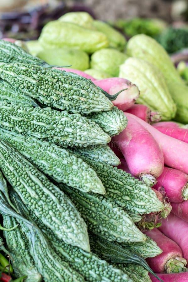 堆各种各样的菜和豆类 免版税库存照片
