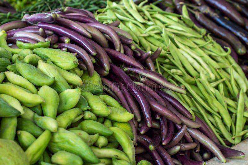 堆各种各样的菜和豆类 免版税图库摄影