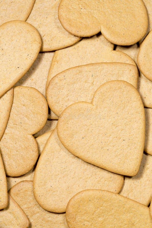 堆姜饼心脏 库存图片