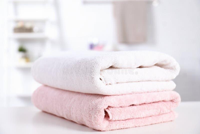 堆新鲜的毛巾 免版税图库摄影