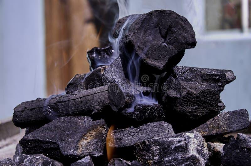 堆烧煤 免版税库存照片