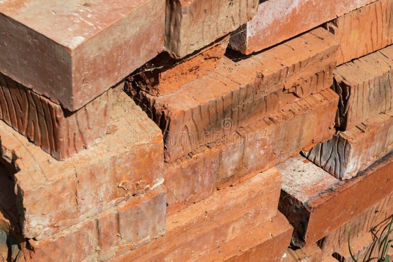 堆砖红色长方形特写镜头建筑材料坚硬坚实背景基地 免版税图库摄影